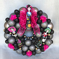 Small Tres Hermanas Wreath